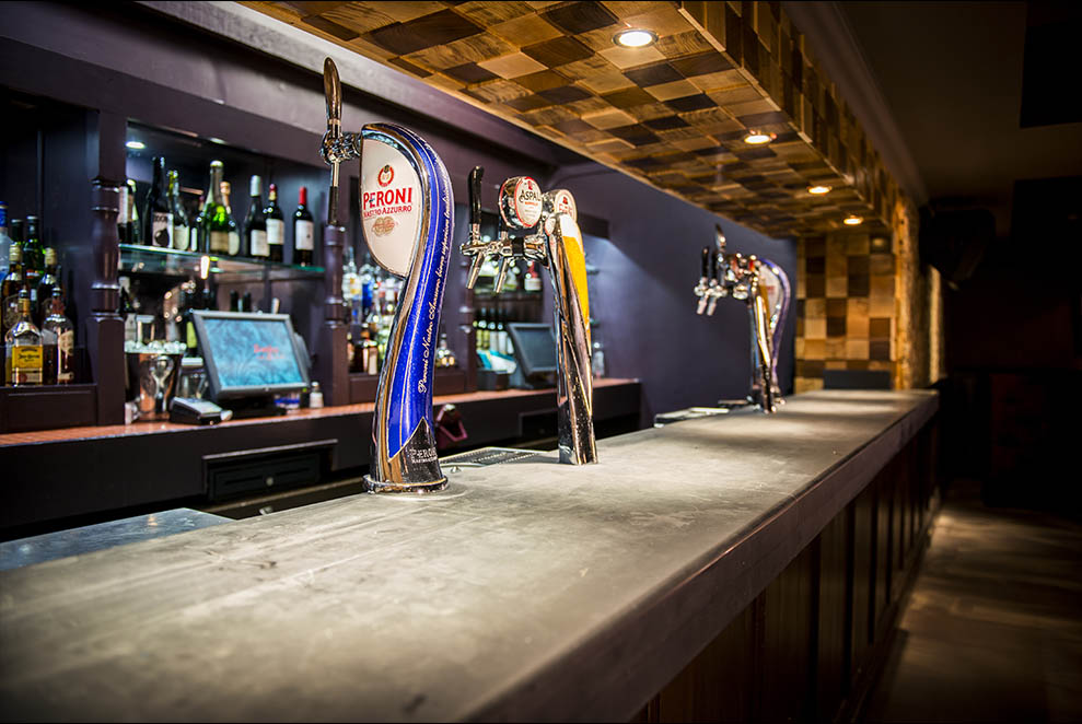 Zingara Bar Beer Taps